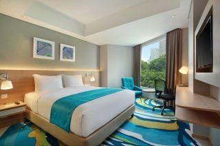 Standard Room - Queen Bed