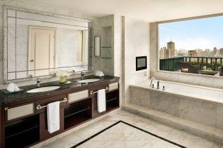 Two Bay Suite - Bathroom