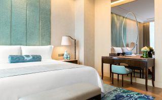 Gallery Suite - Bedroom