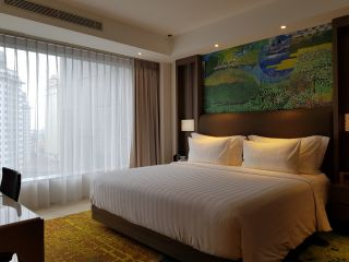 Business Suite with 1 King Size Bed
