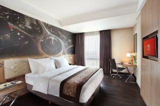 Deluxe Room (Queen Bed)
