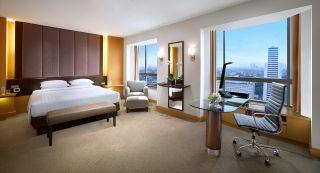 Grand King - Bedroom